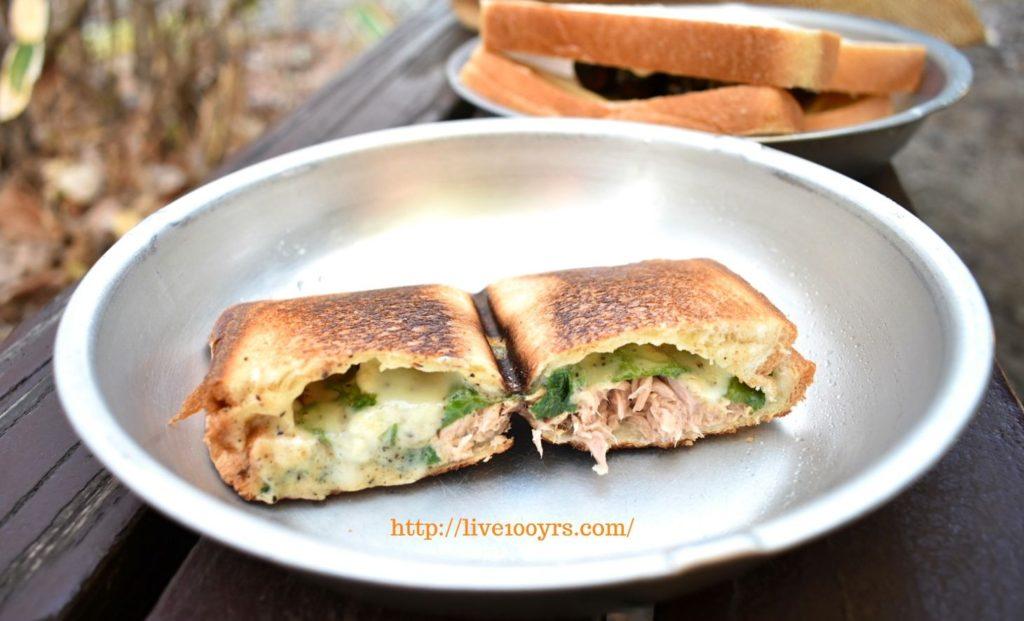 ツナマヨと黒コショウチーズのいホットサンドレシピ、断面図です