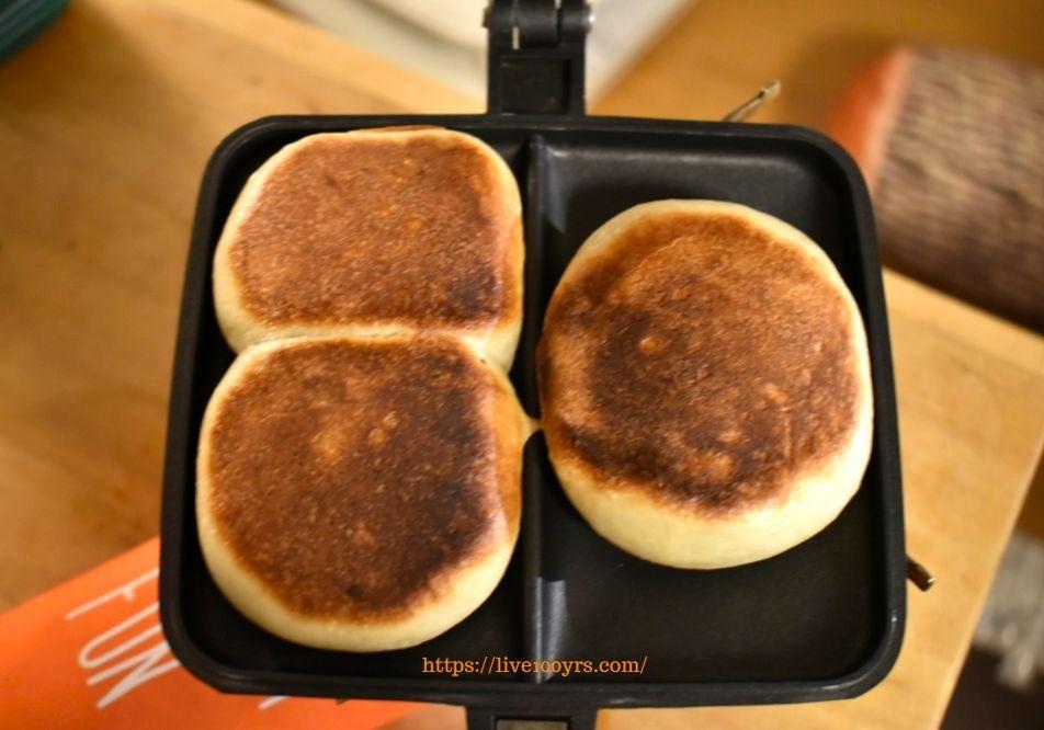 おうちキャンプでお焼きパン作り