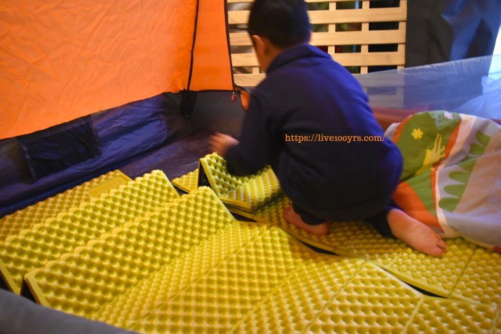 おうちキャンプのテントを整えます