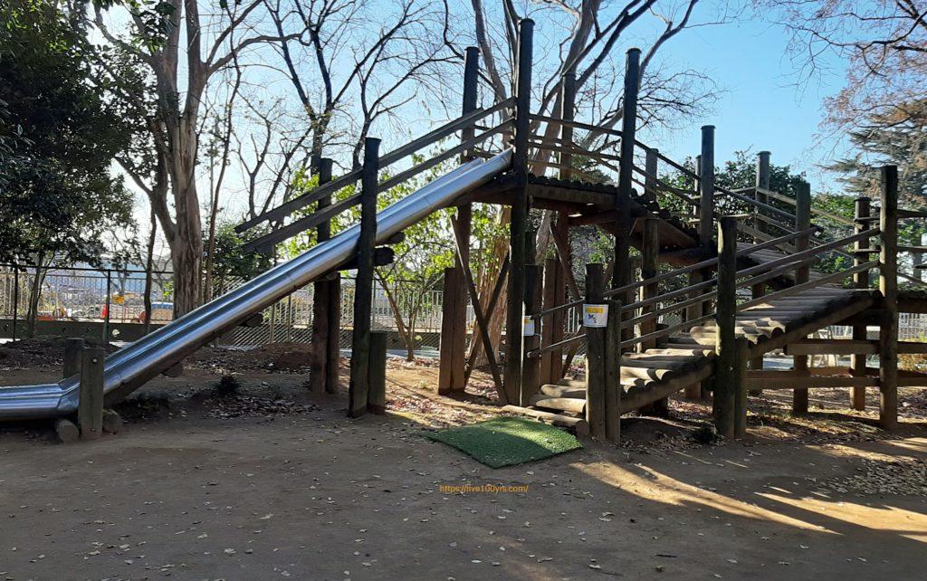 清水公園ポニー牧場内のアスレチック