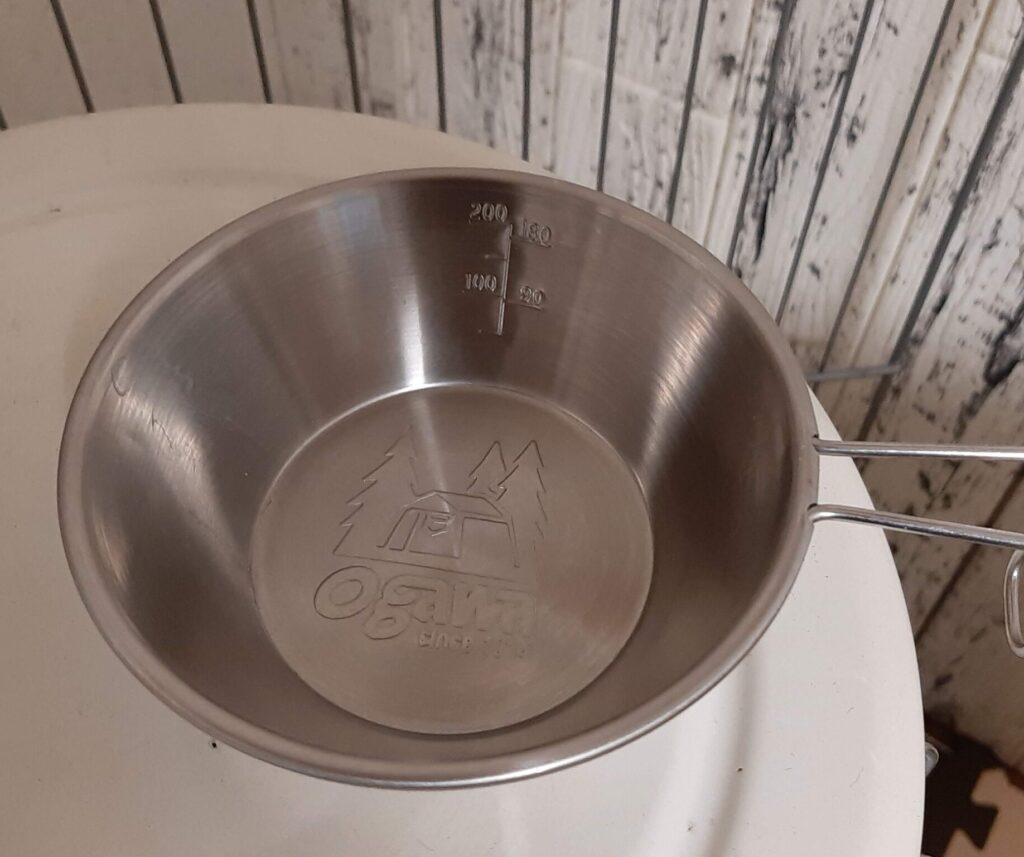 小川のシェラカップは目盛り付き