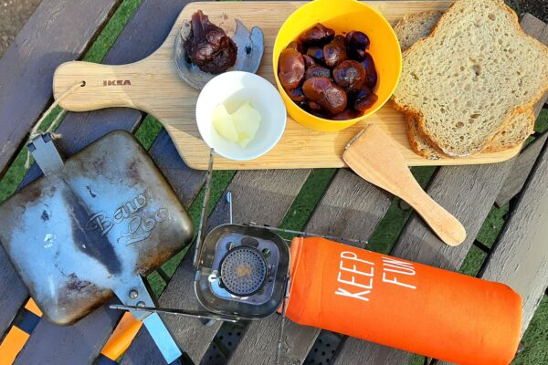 おうちキャンプで草津土産の花豆とあんこのホットサンドを作ります