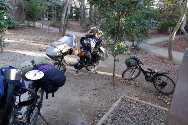 清水公園でバンガローキャンの時の自転車のパッキングの様子